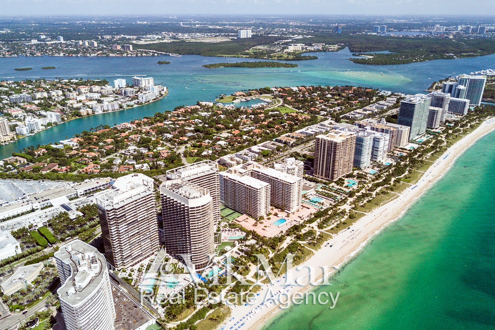 Фото перспектива с высоты птичьего полета района Бэл Харбор (Bal Harbour), Майами-Бич