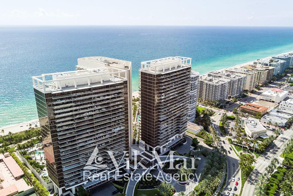 Перспектива с высоты птичьего полета элитного жилого комплекса «St. Regis» в районе Бэл Харбор (Bal Harbour)
