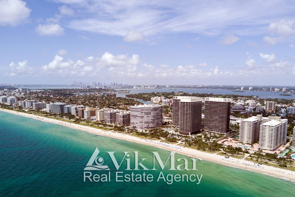 Фото панорама фронтальной застройки Майами-Бич на берегу океана