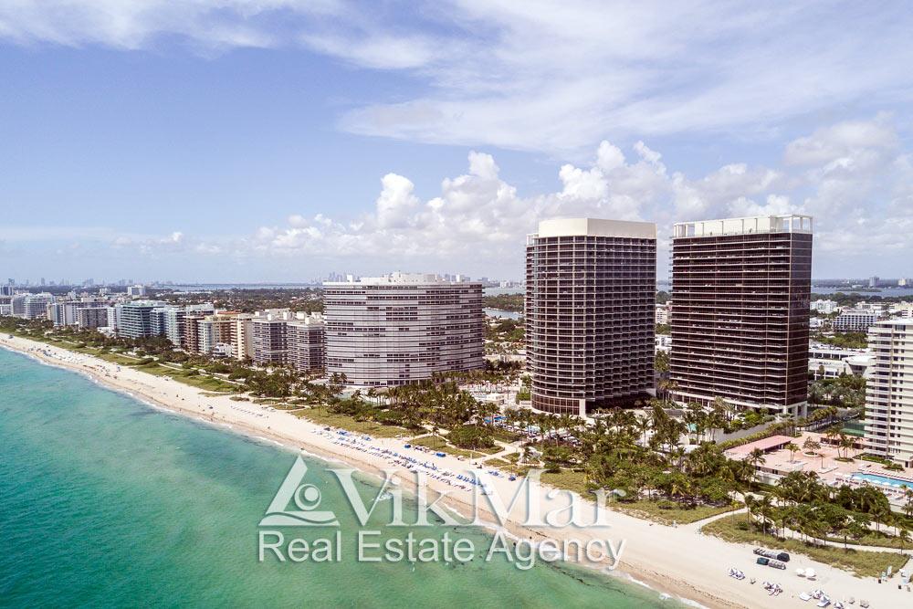 Перспектива с высоты птичьего полета фронтальной застройки северных районов Майами-Бич