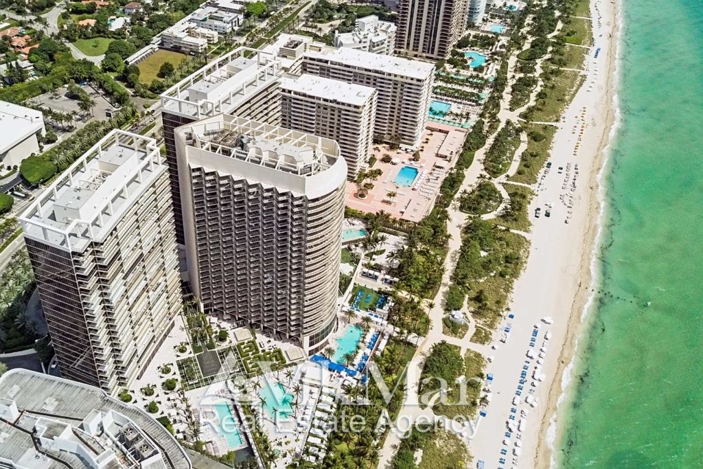The panoramic view of the residential complex St. Regis in Miami
