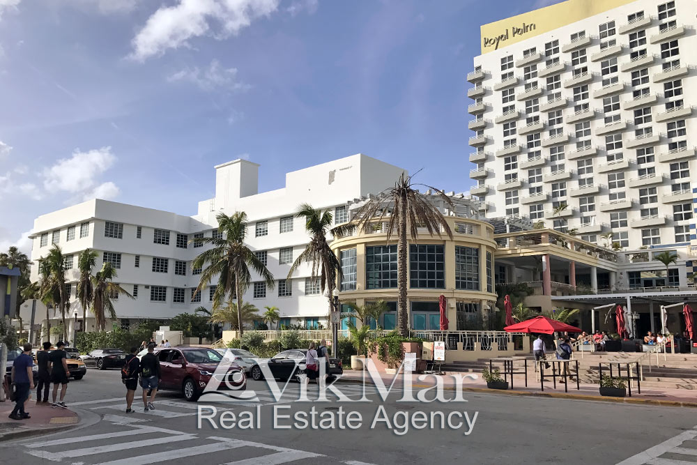 Оушен Драйв у пересечения с улицей 15-я Стрит в Майами